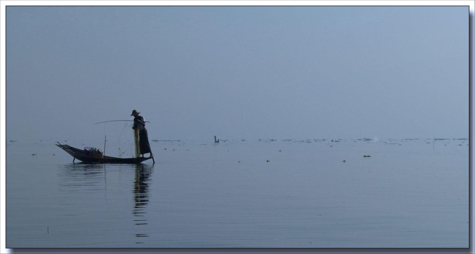 tjs sur le lac Inle et contre jour P1310799bis02cp